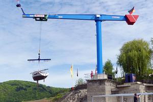 Der neue VETTER-Schwenkkran – neues Wahrzeichen im Yachthafen Rehbach